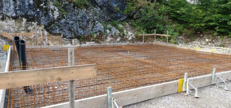 Planieren und einschalen für das Fundament unserer neuen Vereinshütte